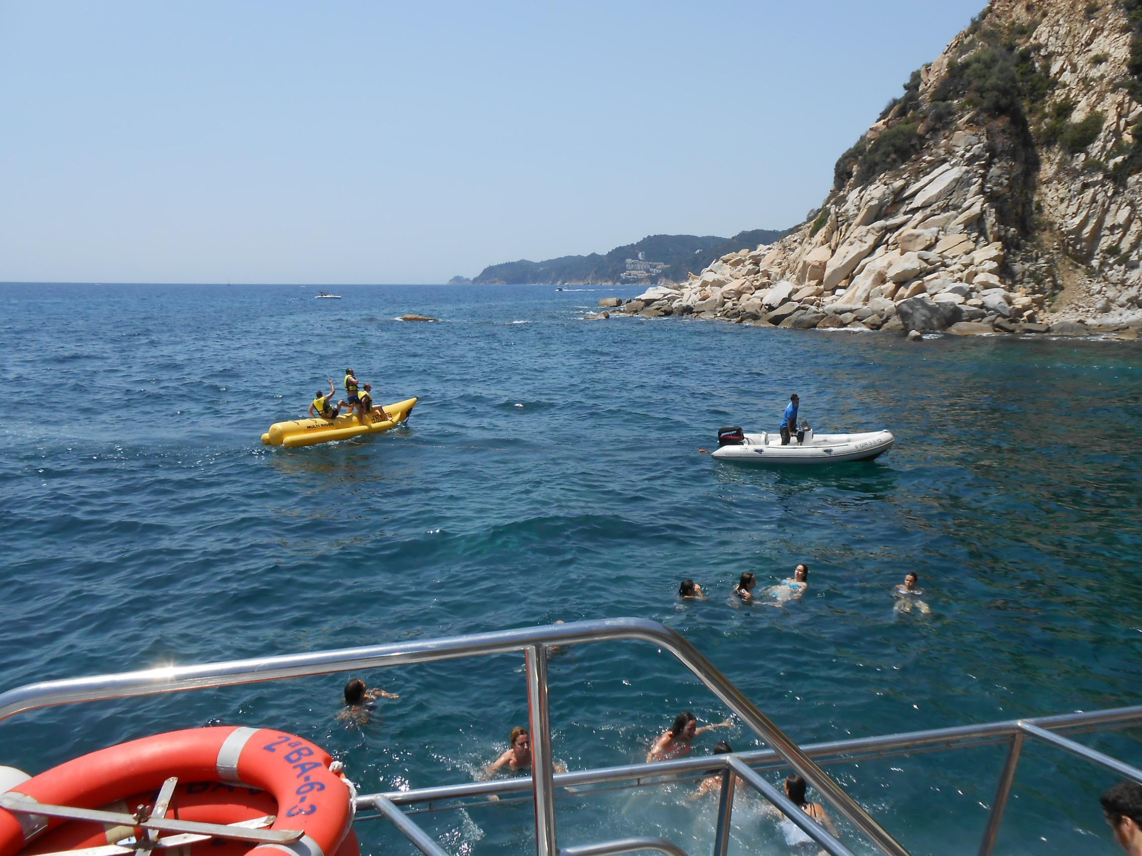 Excursión en barco, snorkel, banana boat y comida (3 horas)